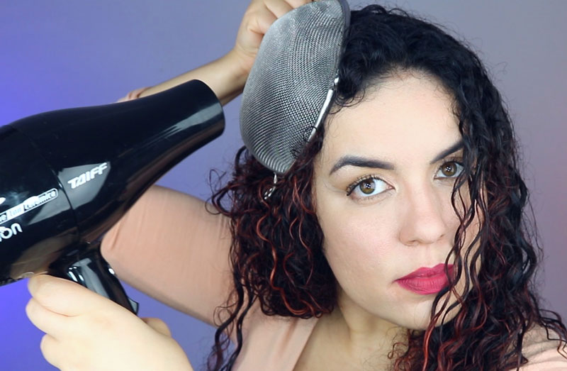 Como secar o cabelo com a peneira - passo 3