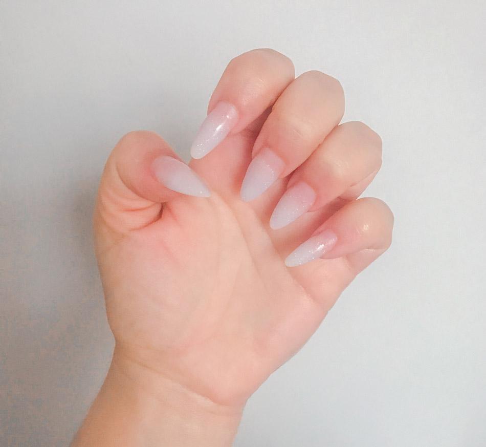 unhas de acrílico ou de fibra de vidro