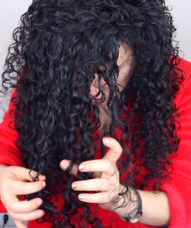 Como dar mais volume no cabelo cacheado - separando os cachos
