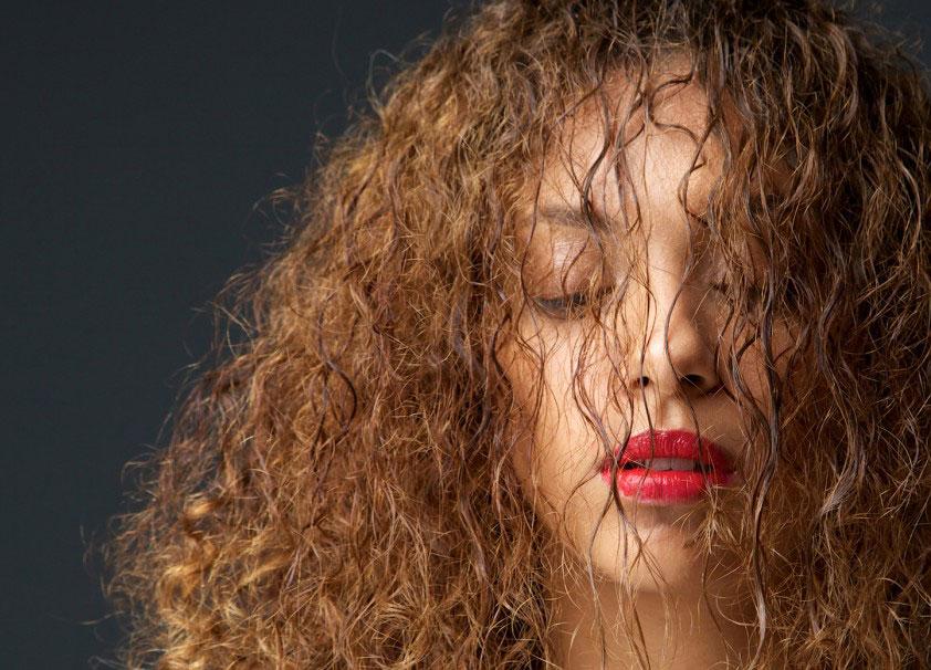 como saber o que seu cabelo precisa - hidratação, nutrição ou reconstrução